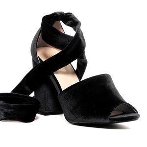 Catherine malandrino velboney heels
